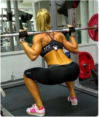 girls-who-squat-11